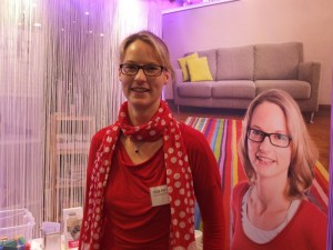 Die doppelte Julia am Messestand